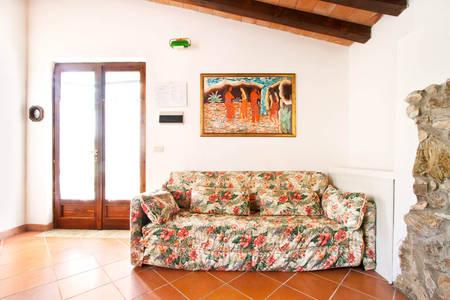 carraia_living_room_agriturismo_poggio_diavolino