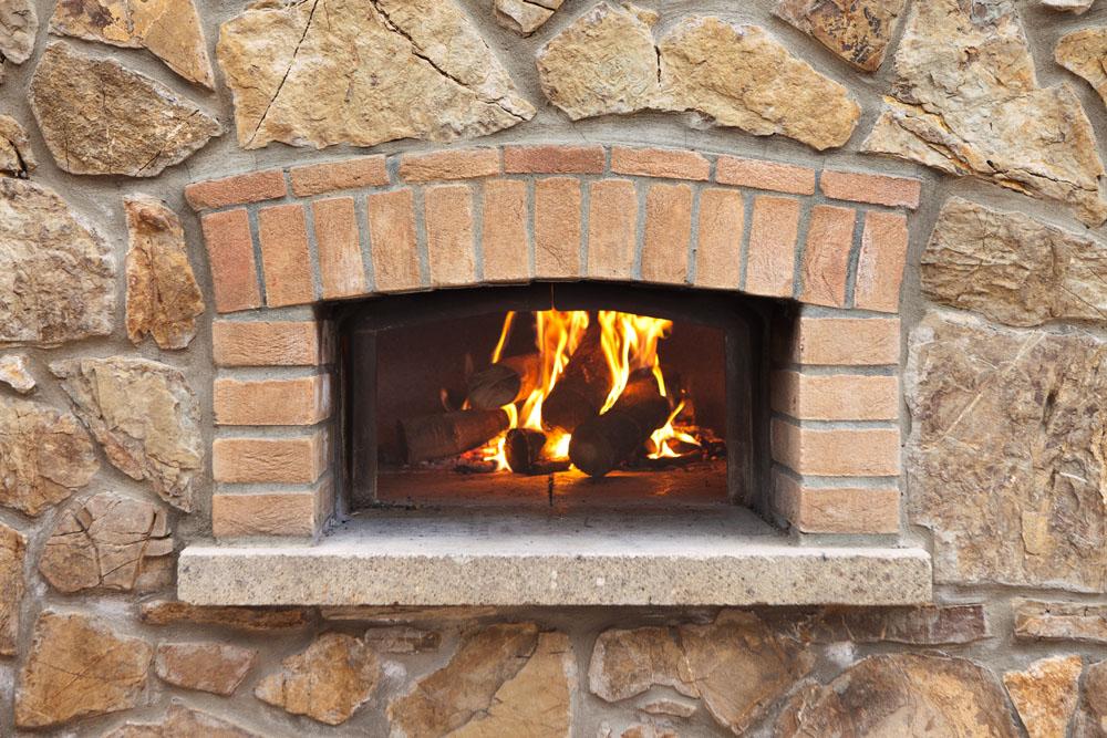 Come usare il forno a legna agriturismo poggio diavolino - Temperatura forno a legna pizza ...